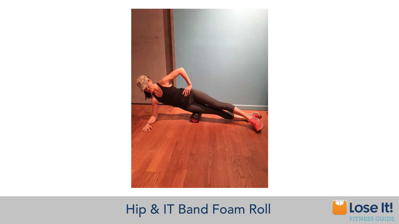 hip_and_IT_band_foam_roll