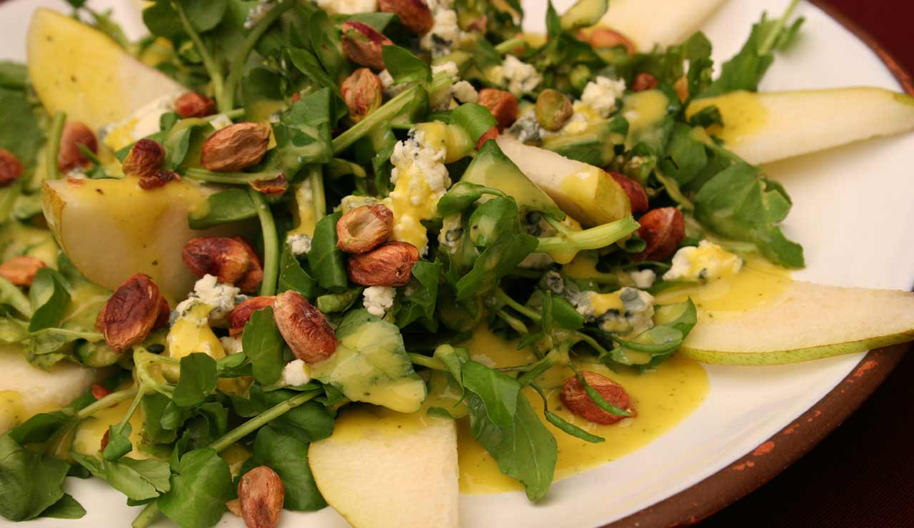 14_Turkey_Salad_with_Pears_and_Hazelnuts_wk