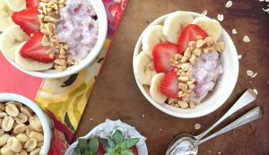 strawberry_peanut_overnight_oats